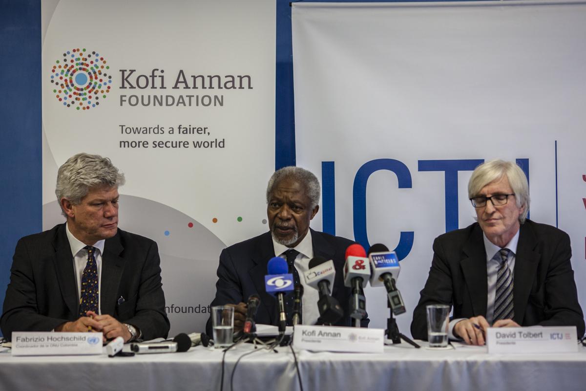 visita de Kofi Annan a Colombia, rueda de prensa en las oficinas de Naciones Unidas en Colombia