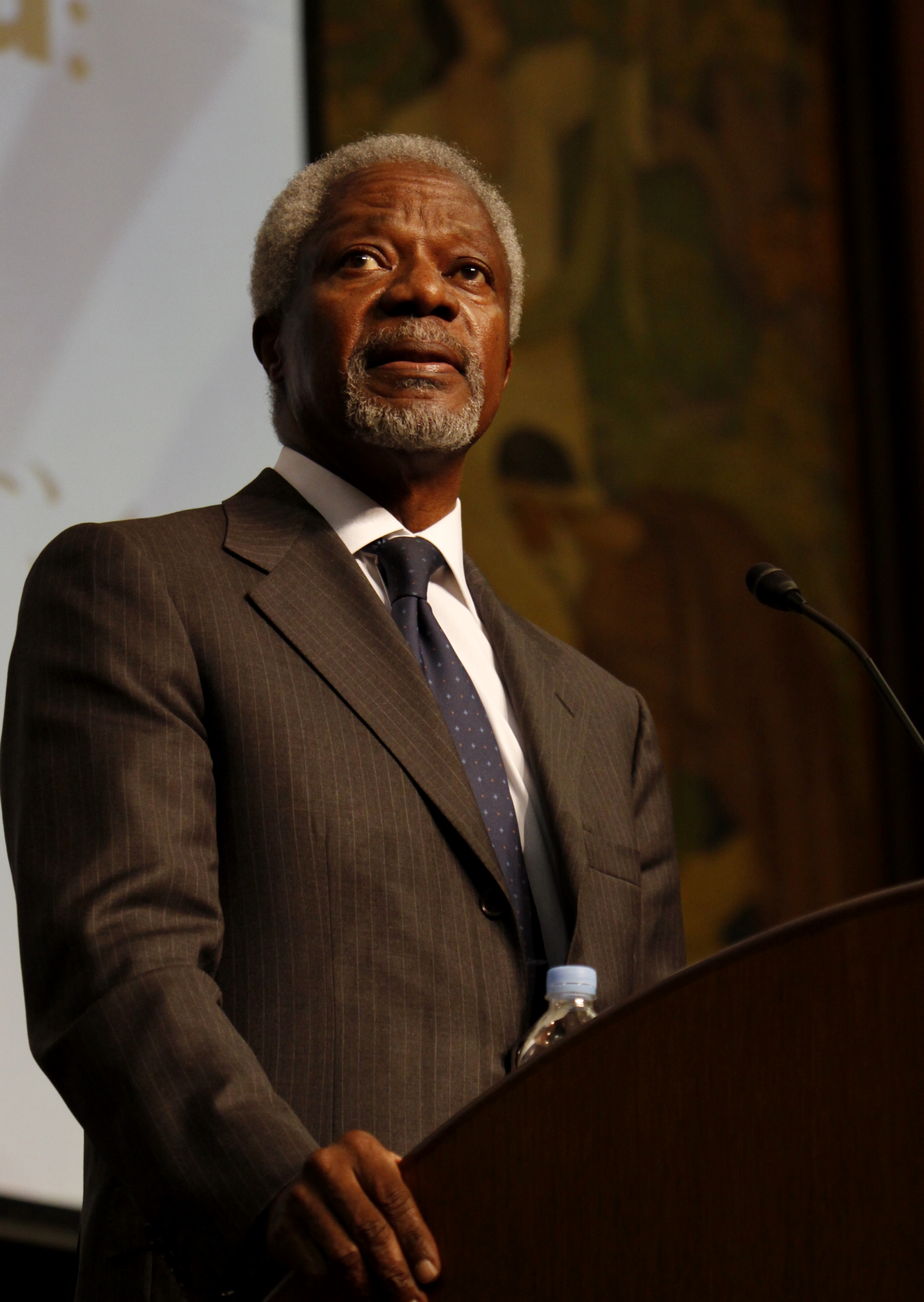 Mr. Annan at Tokyo University 2 (3-6-2009)